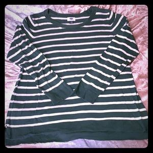 Old Navy women size L crew neck sweater